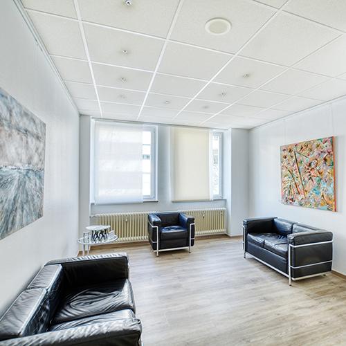 Orthopäde Stuttgart Nord - Dr. Amro - Wartezimmer